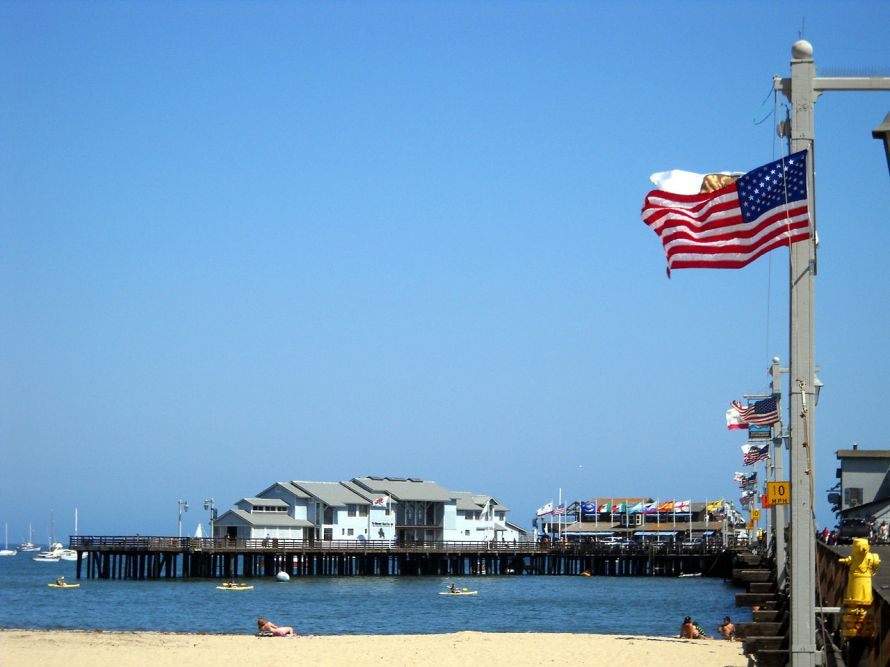 1280px-Santa_Barbara_Pier_Photo_D_Ramey_Logan